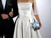 Esküvő = pénz